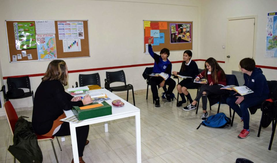English classes for teenagers from 13 to 15 years old