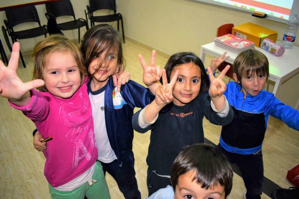 Clases de inglés para niños foto