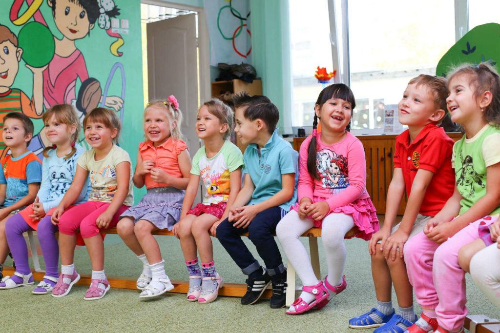 Clases de inglés para niños principiantes foto
